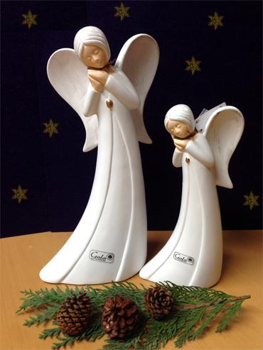 2 Engel beten