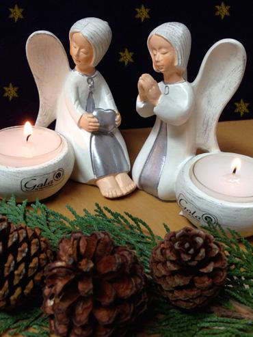 kleine Engel beten Kerze